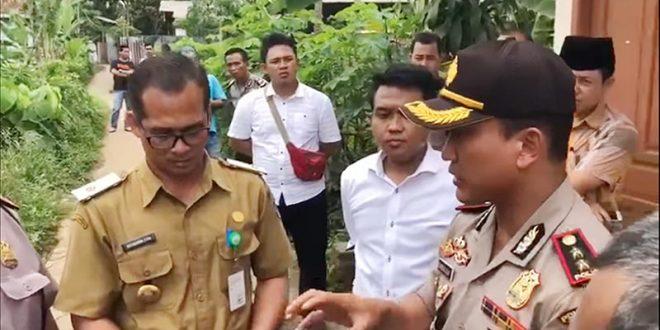 Kapolresta Tangerang AKBP Sabilul Alif saat meninjau TKP didampingi Lurah dan Babinsa