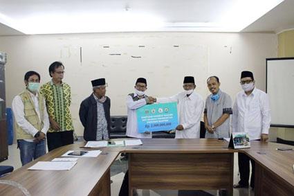 Baznas Pemprov Banten Salurkan Zakat ASN Kepada Warga Masyarakat Yang Berhak dan Membutuhkan