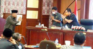 Walikota Sampaikan Jawaban Fraksi Atas 3 Raperda Kota Tangerang