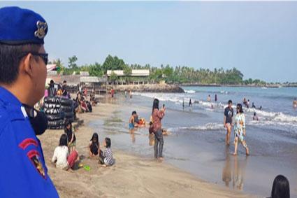 Ditpolairud Polda Banten Himbau Wisatawan Untuk Terapkan Protokol Kesehatan di Kawasan Pantai Wisata