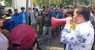 Ketua Komisi I DPRD Pandeglang Minta Mahasiswa Bersabar