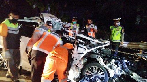 Tiga Mahasiswa Tewas Menabrak Truk di Tol Tangerang-Merak
