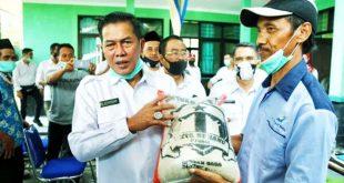 Pemkot Serang Salurkan 22.500 Paket Bantuan Pangan Kepada Petani