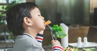 6 Makanan untuk Meningkatkan Kesehatan Mata Pada Anak
