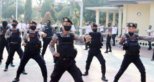 Meningkatkan Kesiap Siagaan, Personel Polres Cilegon Latihan Beladiri Polri