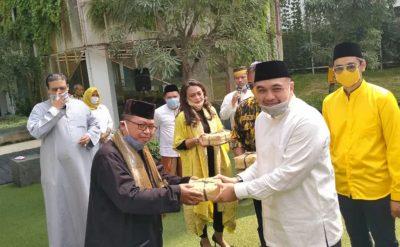 Idul Adha, Ketua DPD I Partai Golkar DKI A. Zaki Iskandar Bagikan Ribuan Paket Daging Kurban