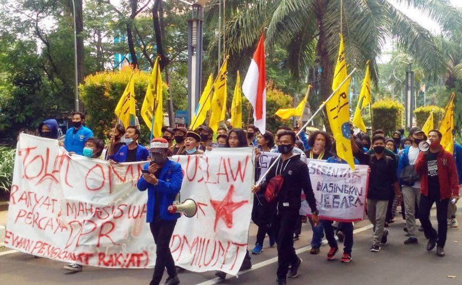 Gabungan Mahasiswa Kepung Puspemkot Tangerang Tolak UU Ciptaker