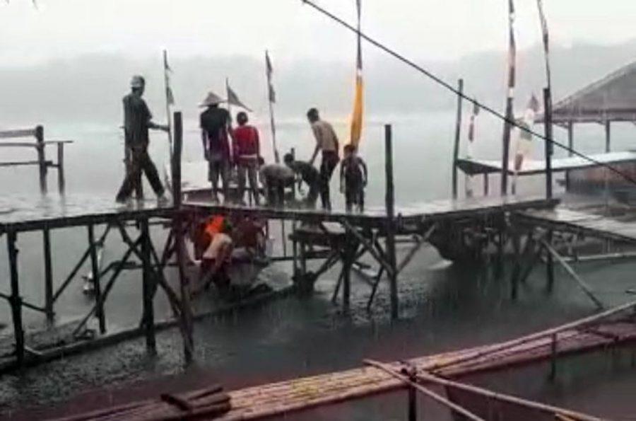 Kapal Wisata di Pandeglang Terbalik Tewaskan 3 Orang Penumpang