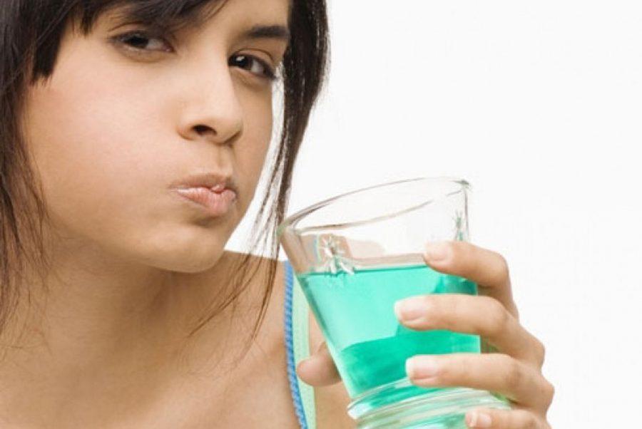 Kenali Manfaat Obat Kumur untuk Menjaga Kesehatan Gigi dan Mulut dari Sariawan