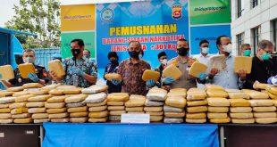 BNN Banten Musnahkan 301 Kg Ganja Kiriman Aceh