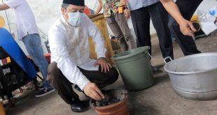 Pemkot Tangerang Uji Coba Daur Ulang Sampah Jadi Briket