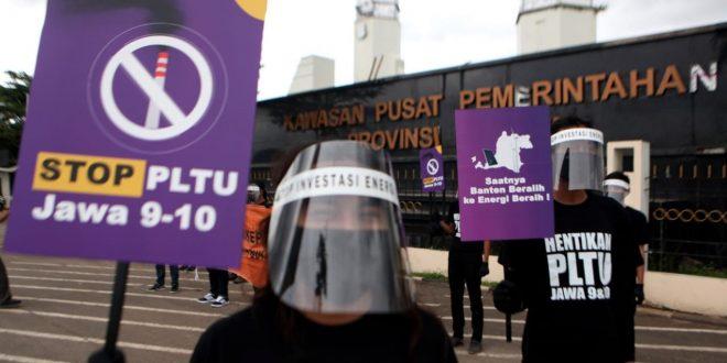 WALHI Gelar Aksi: Banten Dikepung PLTU Batubara, Harus Beralih ke Energi Bersih Sekarang