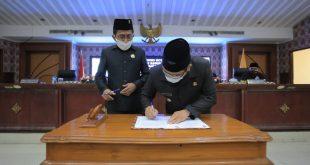 Paripurna: Walikota Jawab Pandangan Umum Fraksi DPRD atas 3 Raperda Kota Tangerang