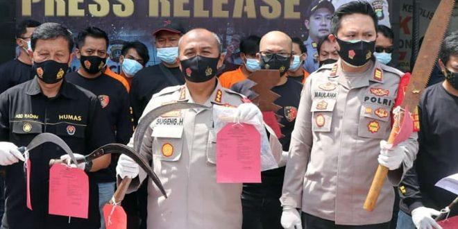 Polsek Cipondoh Ringkus Komplotan Pelaku Pemerasan, Dua Ditembak Kakinya Karena Melawan