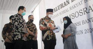 Wagub Banten Hadiri Pembagian Jamsosratu 2020 Secara Simbolis Kepada KPM di Kota Tangsel