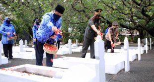 HUT Korpri: Walikota Arief Minta Masyarakat dan ASN Bekerja Sama Menerapkan Prokes