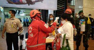 PMI Kota Tangerang Bantu Posko Crisis Center SJ 182 di Bandara Soetta