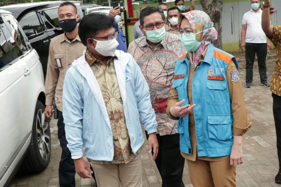 Wali Kota Airin Dampingi Menkominfo Cek Persiapan Akhir Vaksinasi COVID-19