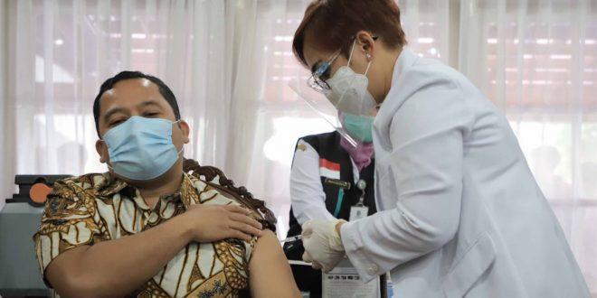 Lakukan Vaksinasi Covid-19, Arief: Insya Allah vaksin Covid-19 ini Aman