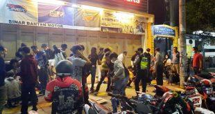 Polres Serang Kota Bubarkan Kerumunan Massa Cegah Penyebaran COVID-19