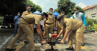 Arief Tinjau Pembuatan Biopori dan Sarana untuk Program Kampung Iklim
