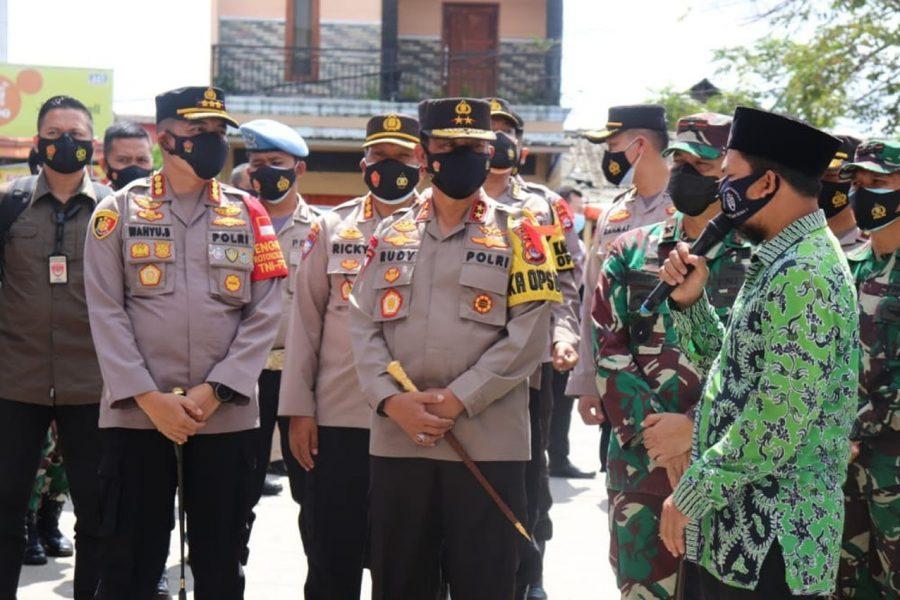 Pengecekan Posko PPKM Mikro, Kapolda Banten Berikan Bantuan Alat Tes Swab Antigen
