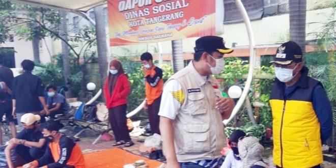 Beri Bantuan, Satgas DPD Golkar Kota Tangerang Peduli Warga Korban Banjir