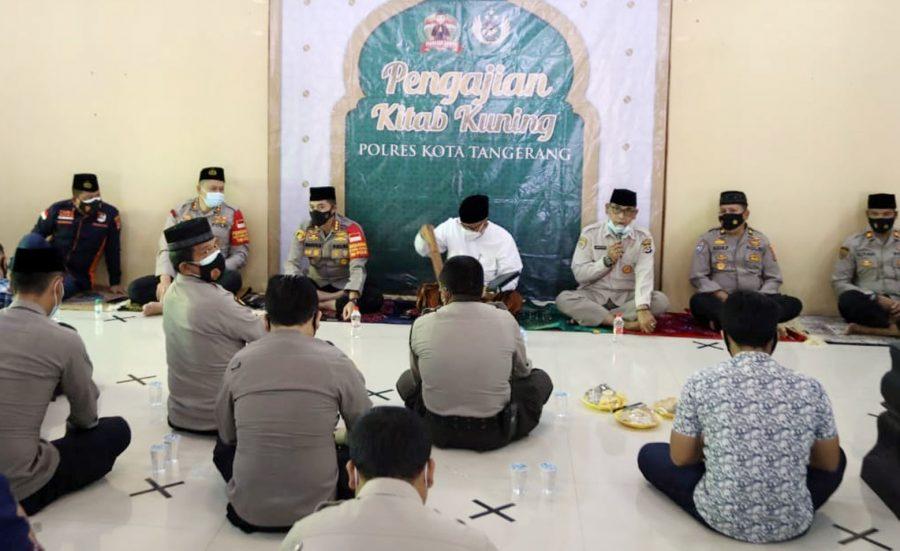 Polresta Tangerang Kaji Kitab Kuning, Bahas Fadilah Shalat Sunah Qobliah Subuh