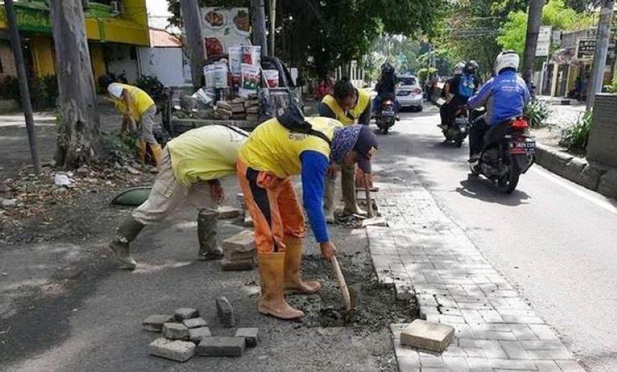 Pemkot Tangerang Lakukan Perbaikan Jalan Rusak Pasca Banjir