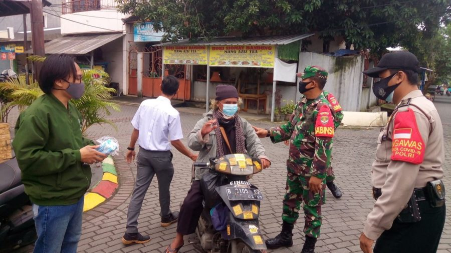 Polresta Tangerang Bersama Kodim 0510 Bagikan 53.180 Masker kepada Masyarakat