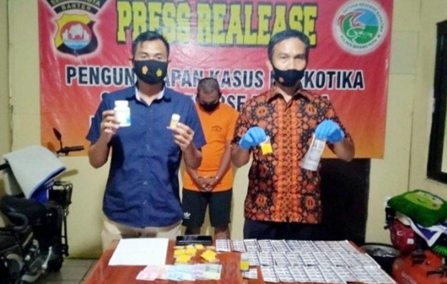 Polisi Tangkap Seorang Penjual Obat Keras di Perumahan Bumi Serang Baru