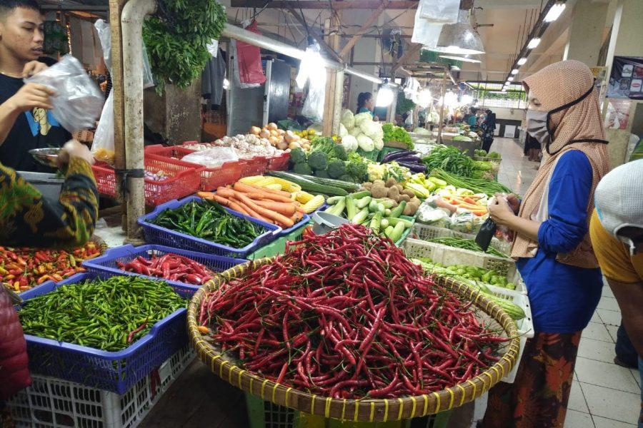 Ratusan Pedagang di Pasar Rangkasbitung Siap Divaksinasi COVID-19