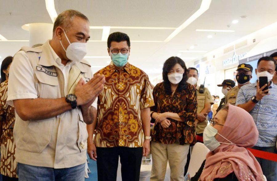 Bupati Tangerang Tinjau Proses Vaksinasi Lansia di Mall Ciputra Panongan