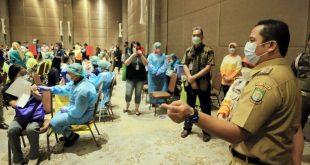 Hari ke Empat Vaksinasi Sasar Para Pedagang Pasar dan Pegawai Pertokoan