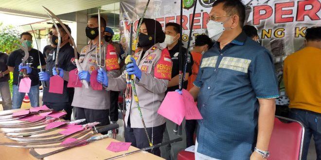 Nekat Mau Tawuran, 10 Remaja Bersajam Diringkus Anggota Resmob Polsek Tangerang