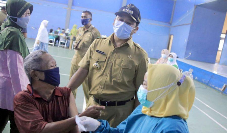 Pemkot Tangerang Berikan Vaksinasi Covid-19 Tahap Dua Kepada Masyarakat Lansia