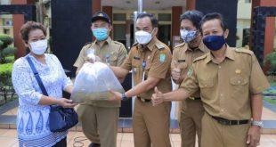 DKP Kota Tangerang Bagi-bagi 104.000 Bibit Ikan Lele untuk Budidaya Warga