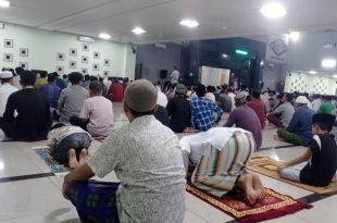 Shalat Tarawih di Masjid Al A'raf Rangkasbitung Terapkan Prokes