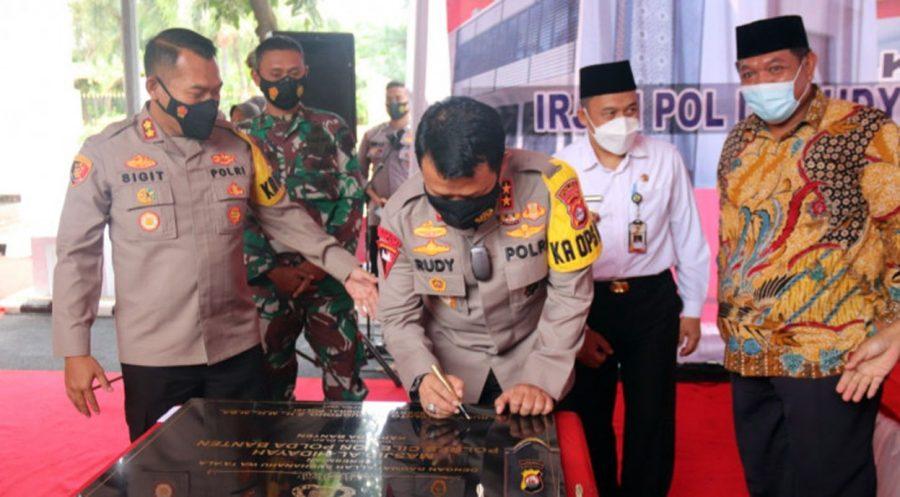 Meningkatkan Keimanan Personel, Kapolda Banten Resmikan Masjid Al-Hidayah di Polres Cilegon