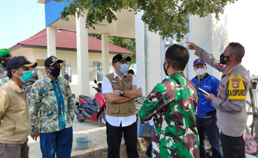 Bupati Tangerang Bubarkan Kerumunan Wisatawan di Tanjung Pasir