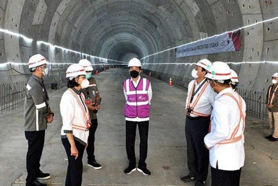 Presiden Jokowi Tinjau Pembangunan Terowongan Jalur Kereta Cepat Jakarta-Bandung
