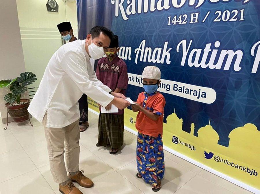 Bank BJB Cabang Balaraja Tangerang Beri Santunan untuk 100 Anak Yatim