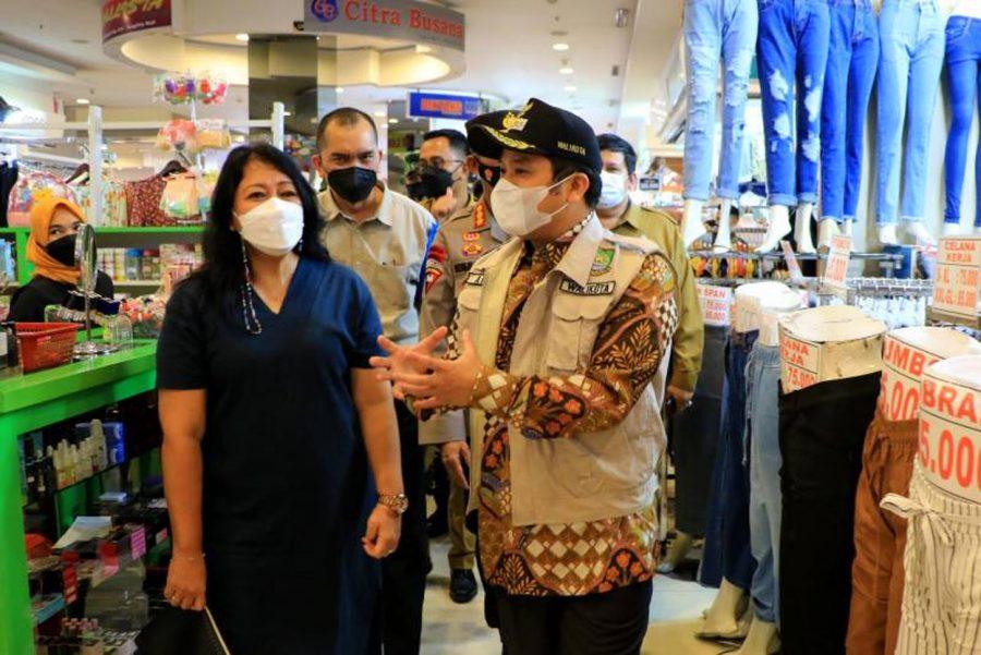 Sidak Prokes, Arief Tegur TangCity Mall Akibat Terjadinya Kerumunan Pengunjung