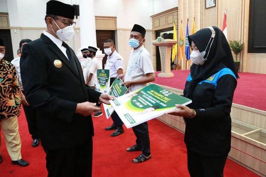 Gubernur WH Salurkan Bantuan UPZ Baznas Kepada Satpam, Pramukantor, dan Sopir Pemprov Banten
