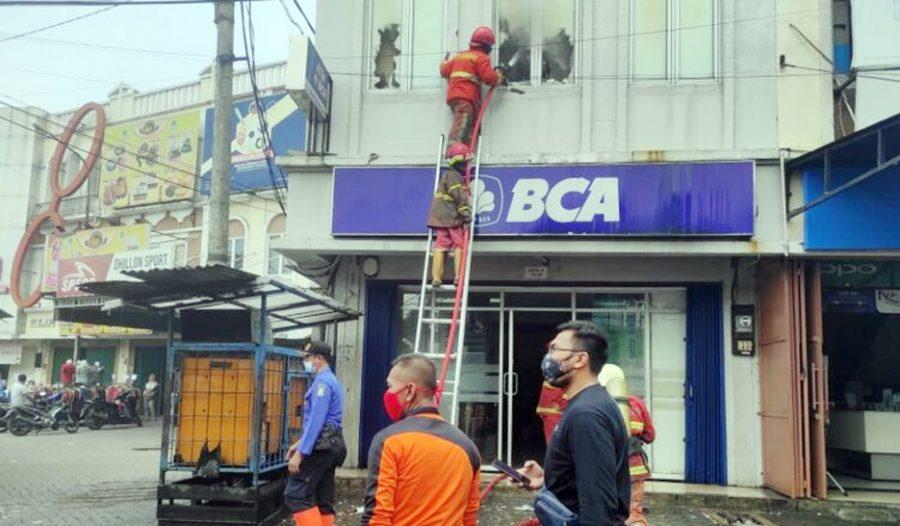 Kantor Bank BCA di Cipondoh Terbakar, Diduga Akibat Korsleting Listrik