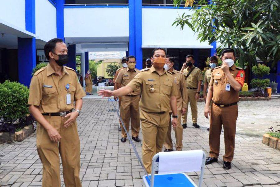 Lonjakan Covid-19, Walikota Arief Siapkan Gedung SMPN 27 Sebagai RIT Tambahan