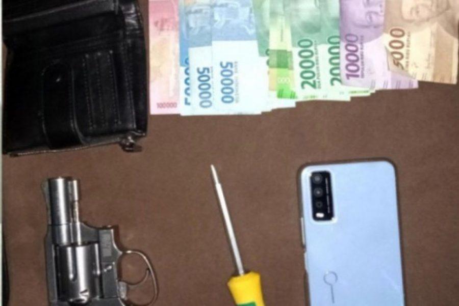 Polisi Tangkap Perampas HP Bersenjata Airsoft Gun di Desa Sidoko