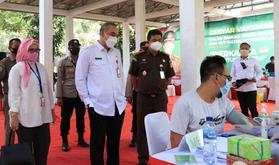 Peringati Hari Bhakti Adhyaksa ke-61, Pemkab Tangerang Bersama Kejari Gelar Vaksinasi