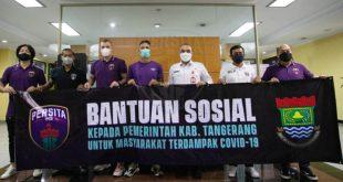 Klub Persita Tangerang Serahkan Bantuan Sosial untuk Masyarakat Terdampak Covid-19