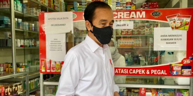 Presiden Blusukan Cek Ketersediaan Obat Penanganan Covid-19 di Apotek
